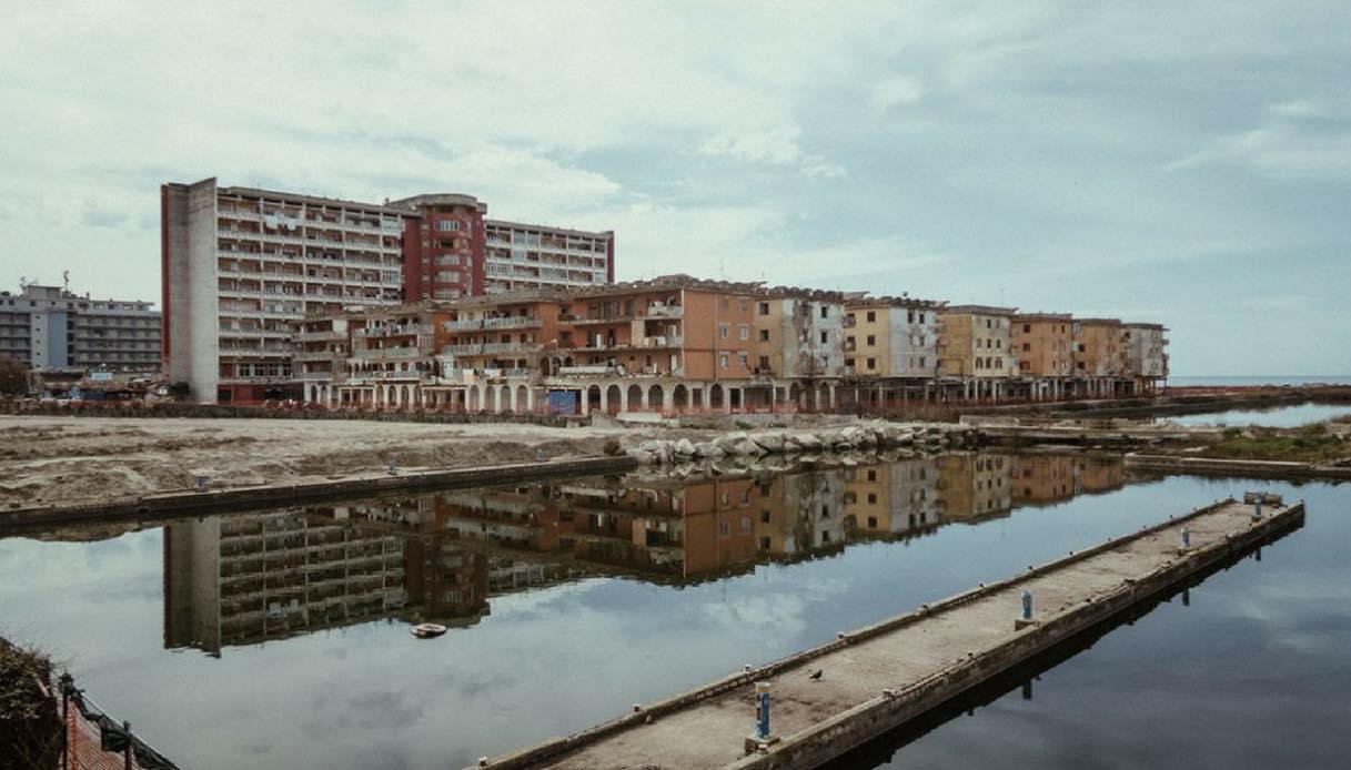 I luoghi di Dogman, il film di Matteo Garrone girato in provincia di Caserta