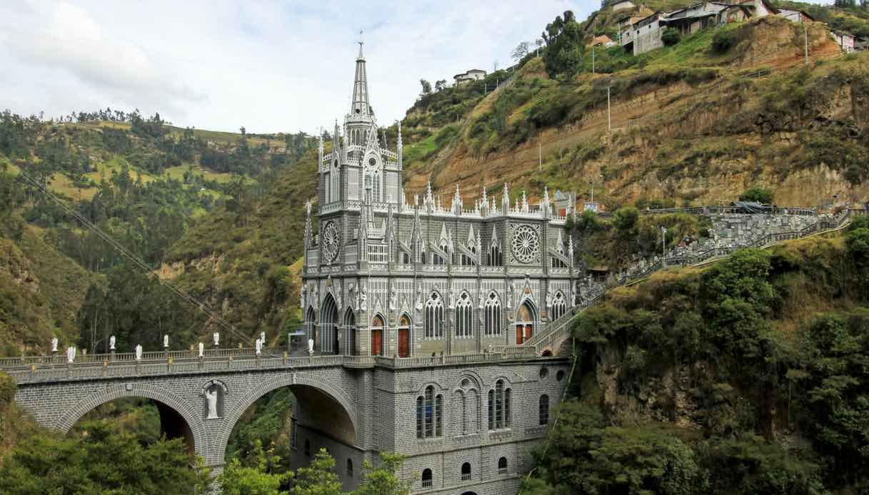 In Colombia, lo spettacolo del santuario di Las Lajas