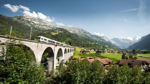 A bordo del Trenino Verde delle Alpi tra Italia e Svizzera