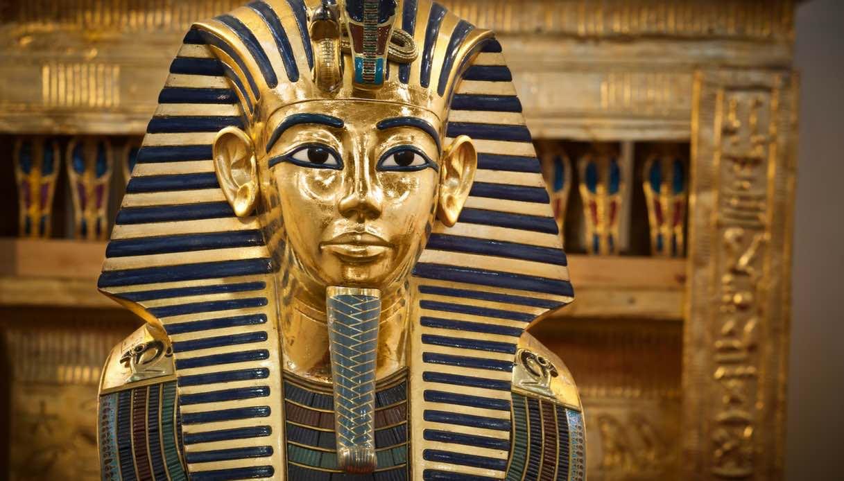 Dove si trova la tomba di Tutankhamon e perché si dice che sia maledetta