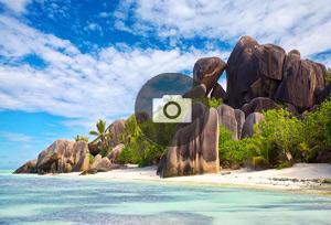 anse-source-d-argent-la-digue-seychelles-300