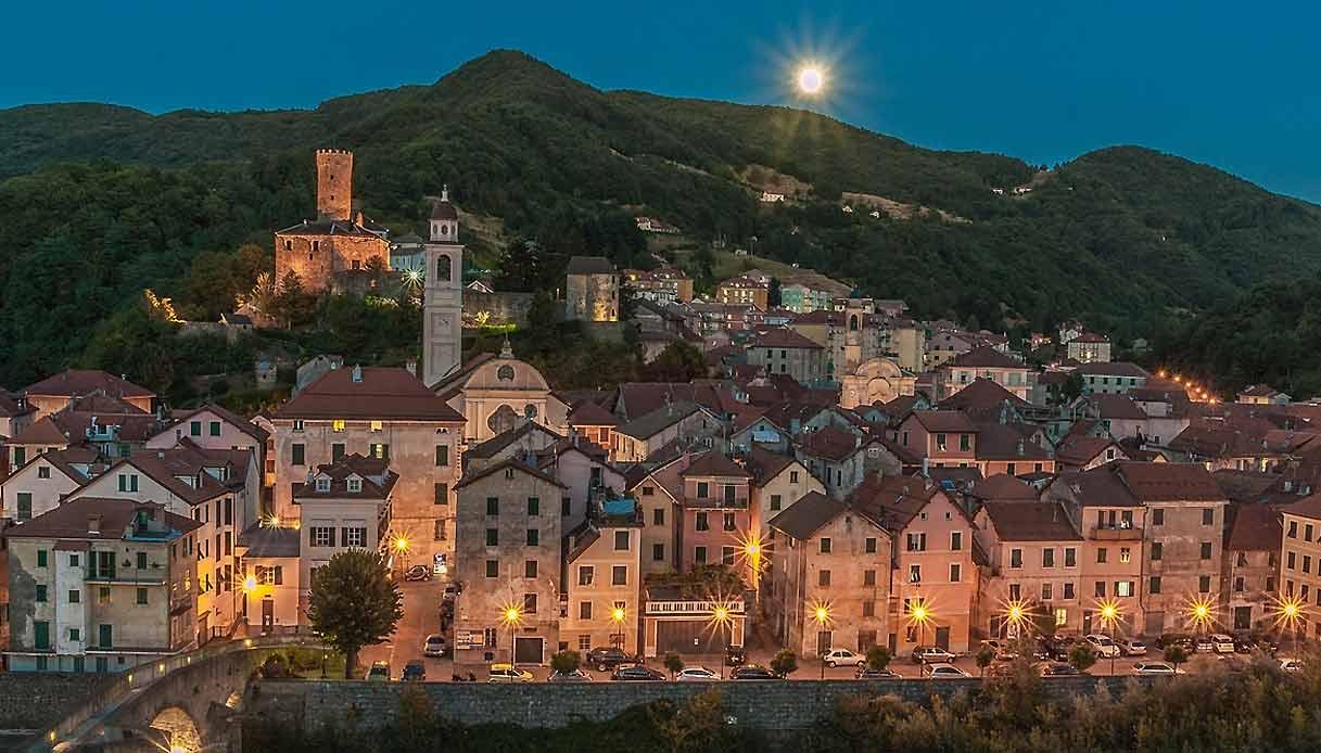 Campo-Ligure-notte-romantic-borghi