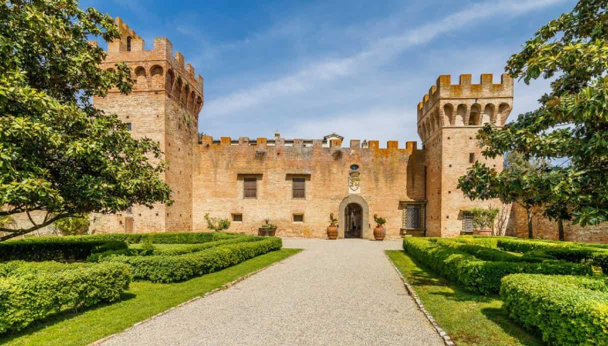 In vendita il castello attribuito a Brunelleschi vicino a Firenze