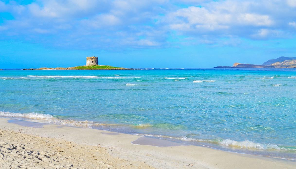 Sardegna, estate di nuove tasse e spiagge a numero chiuso