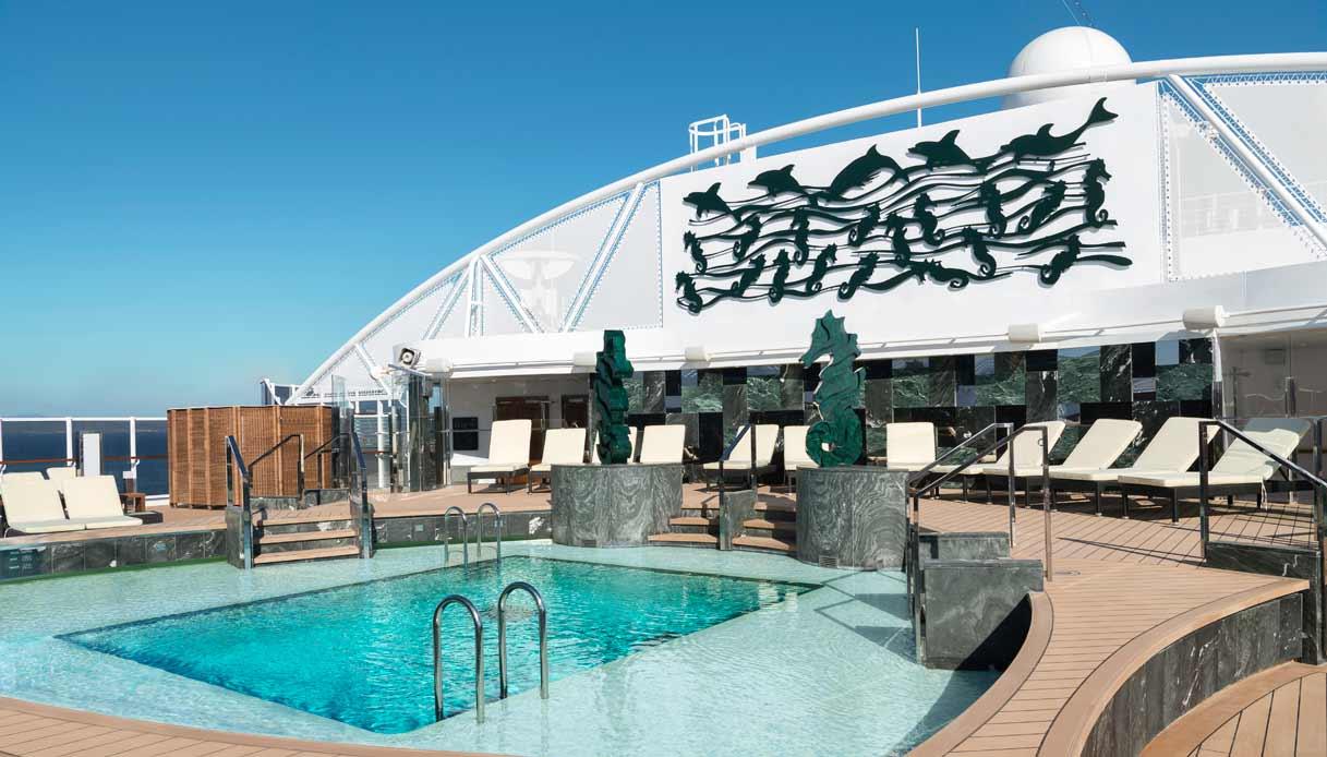 MSC-Seaview-piscina