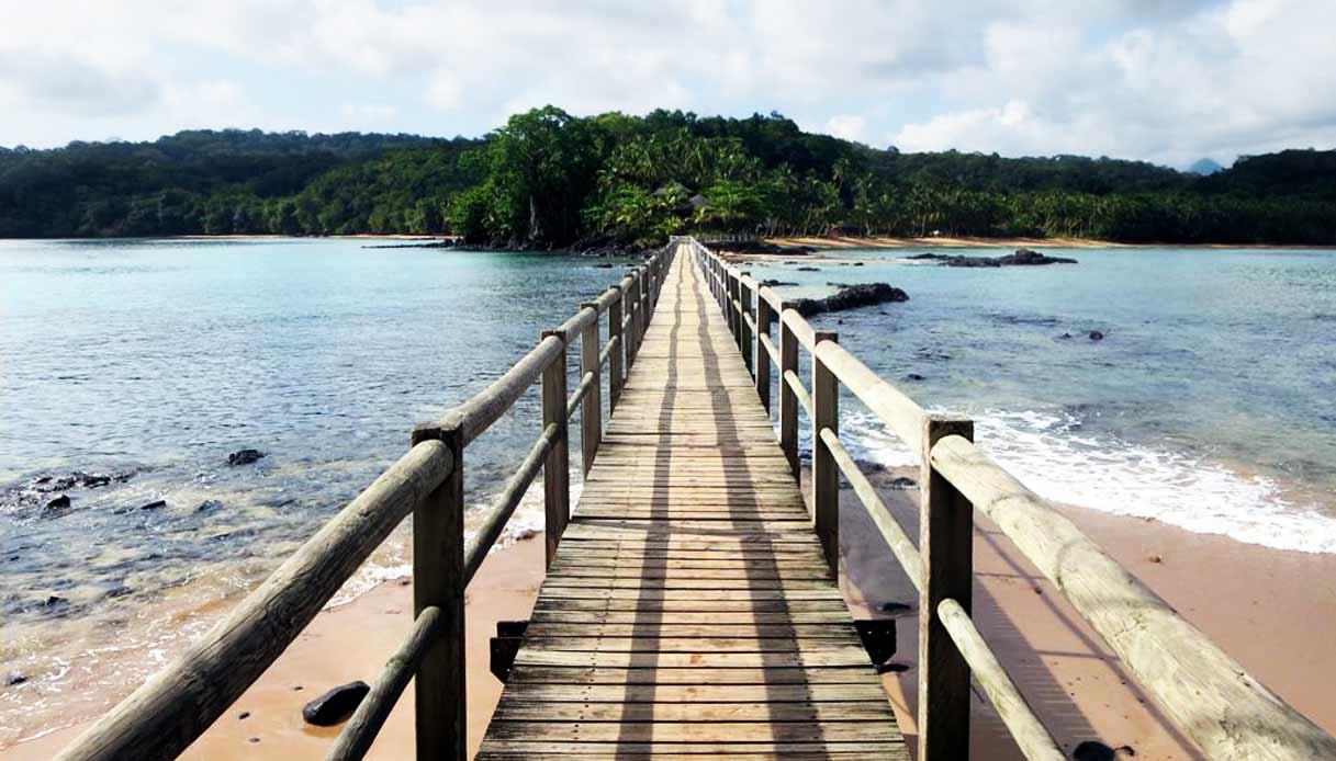 sao-tome-principe-Bom_Bom_Island_Bridge