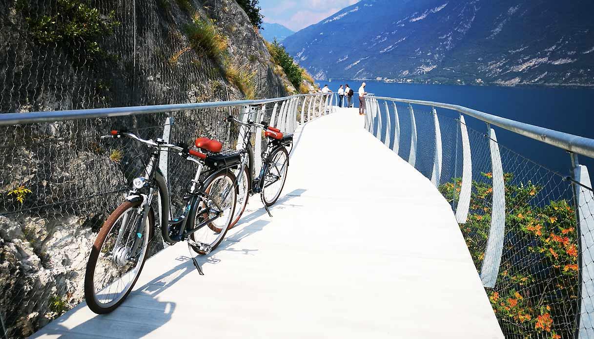 ciclovia-garda-biciclette