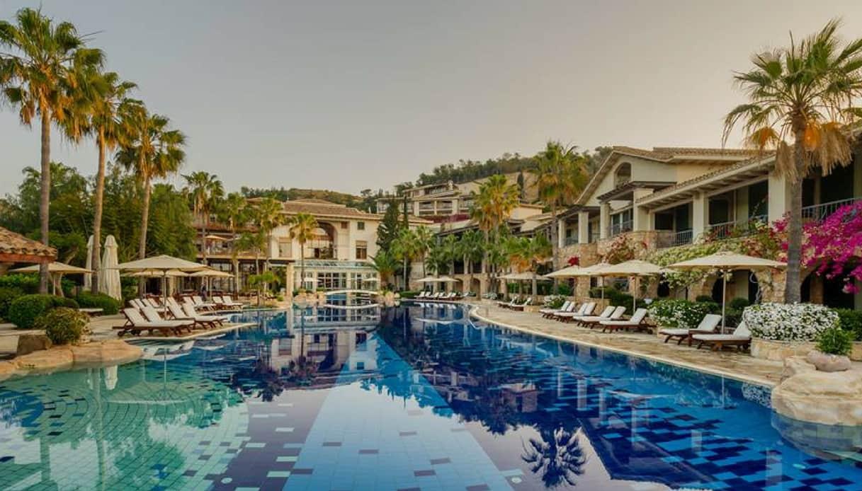 Columbia Beach Resort, Cipro