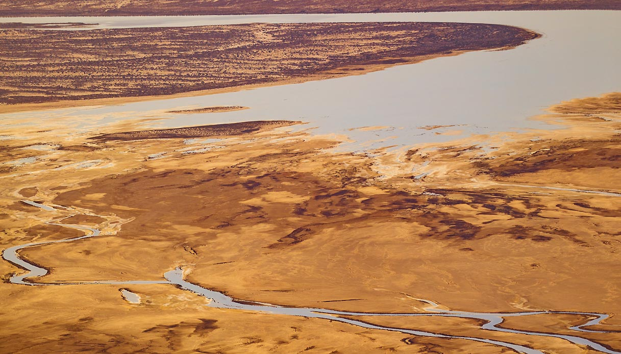 Floodwaters-entering-Kati-Thanda-Lake-Eyre