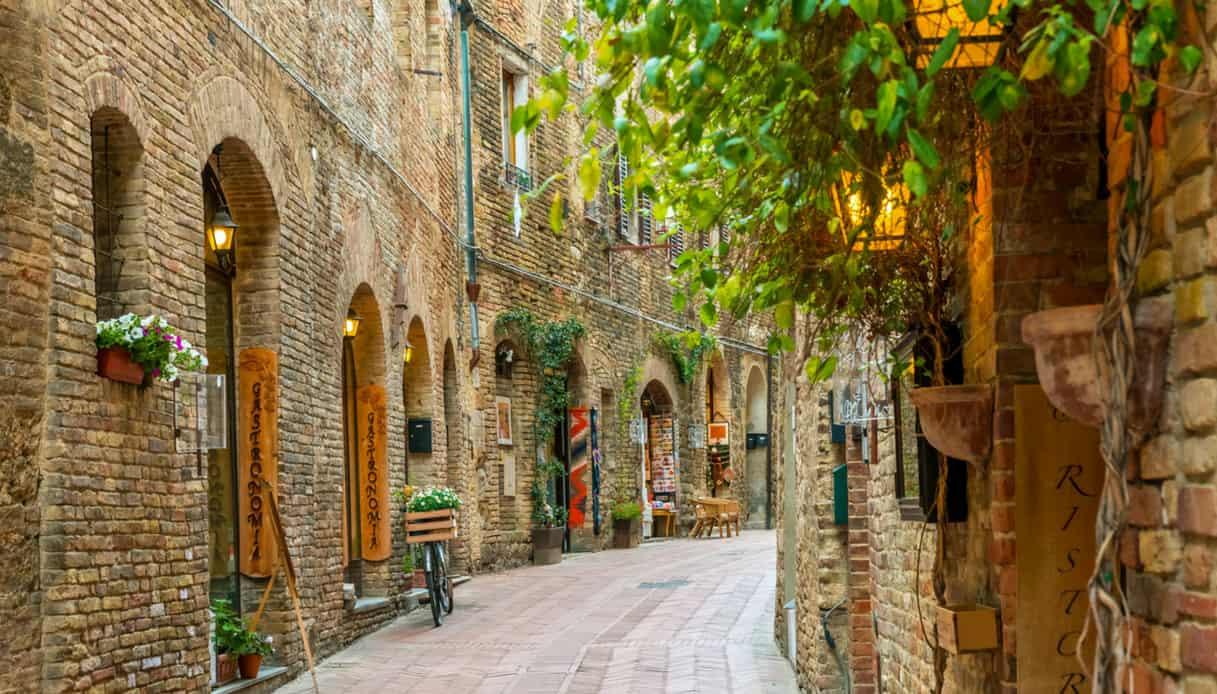 San Gimignano vicolo strada