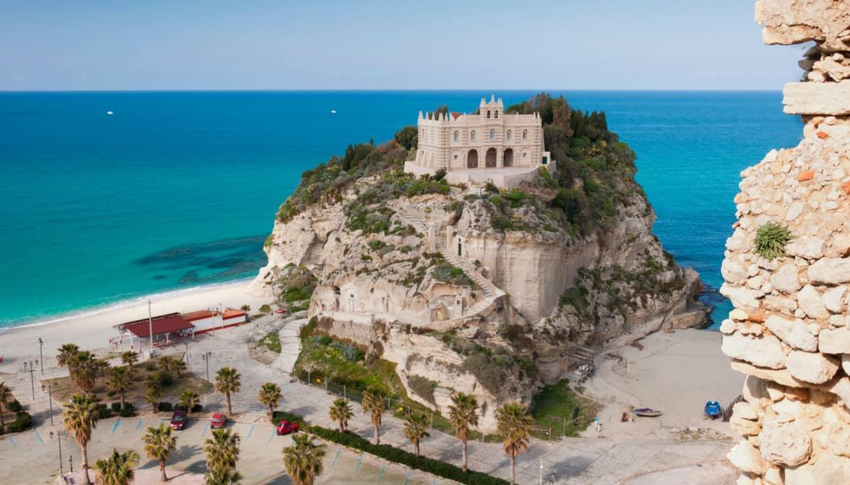 Santuario Santa Maria dell'Isola, Tropea