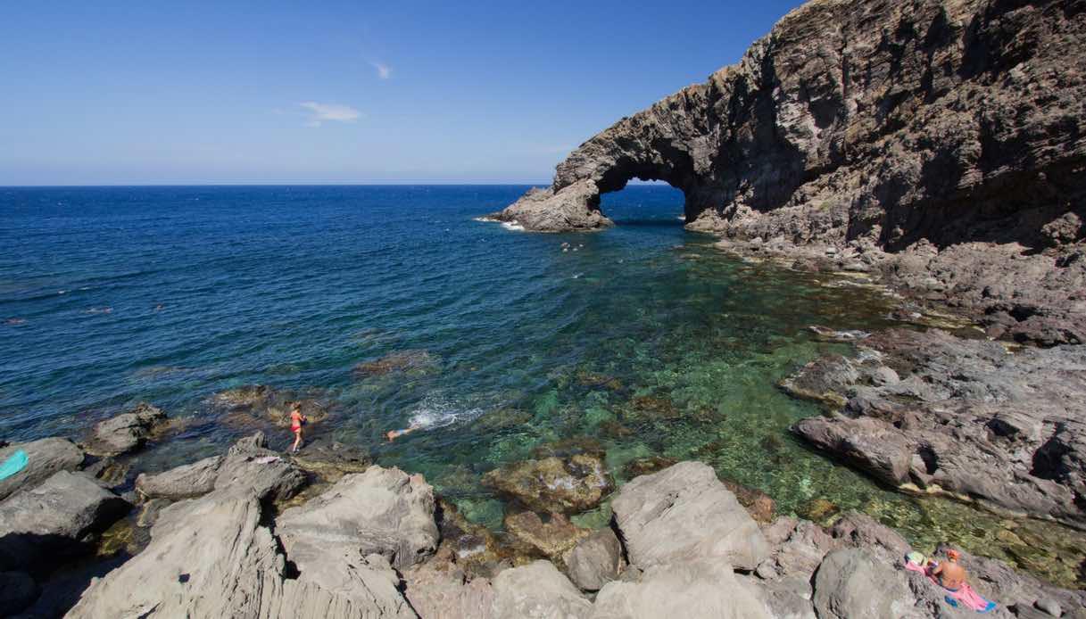 Pantelleria, isola di Sicilia magica e incontaminata