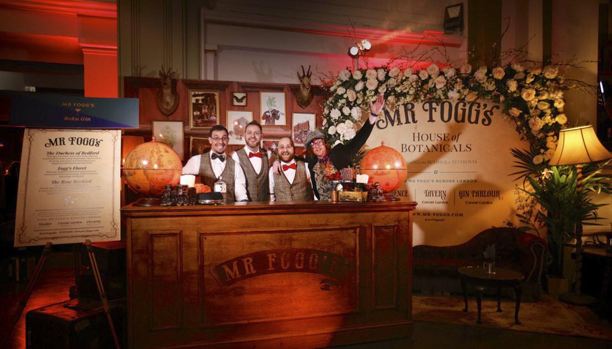 Lavori da sogno: a Londra, si cercano due persone che girino il mondo bevendo gin
