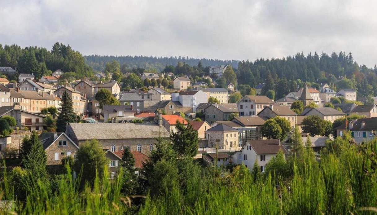 In Francia, c'è un antico villaggio la cui storia ha dell'incredibile