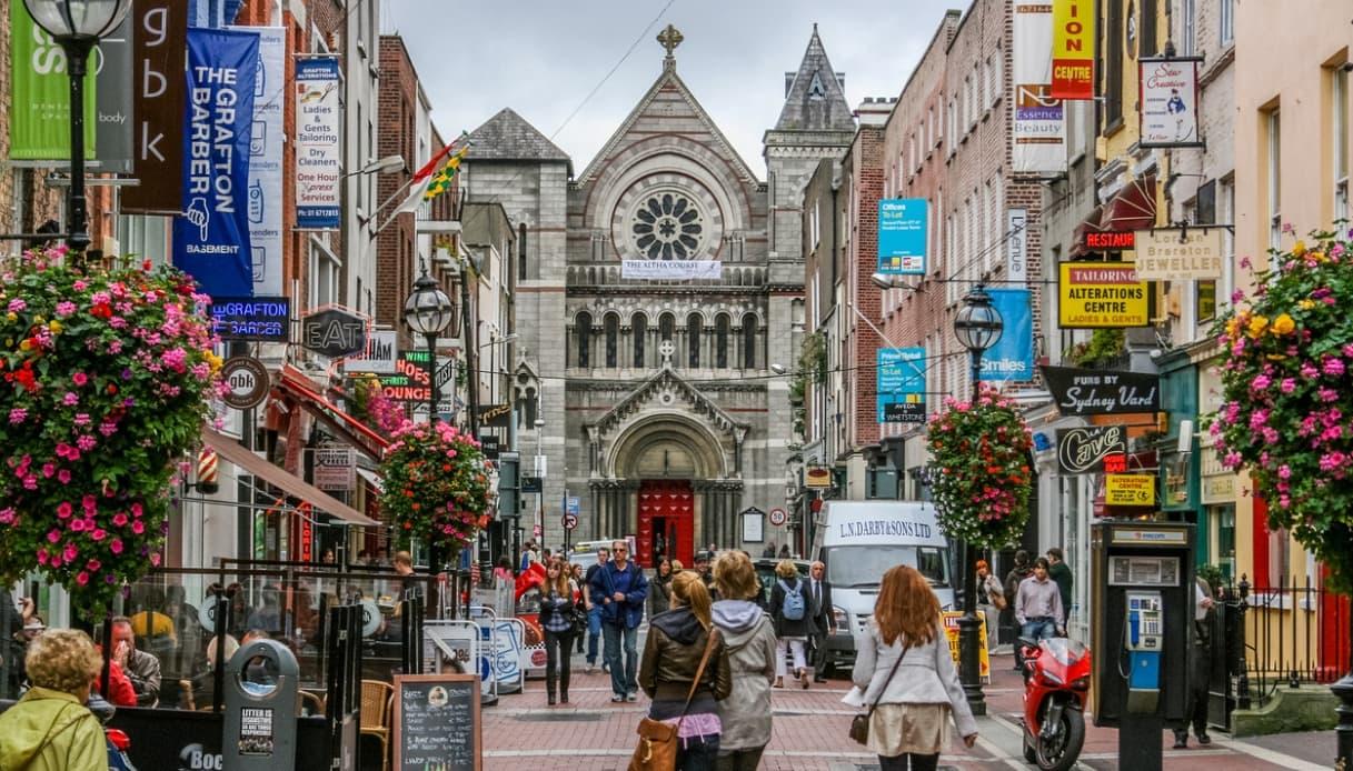 Così l'Irlanda diventa la Londra di Mary Shelley del film con Elle Fanning