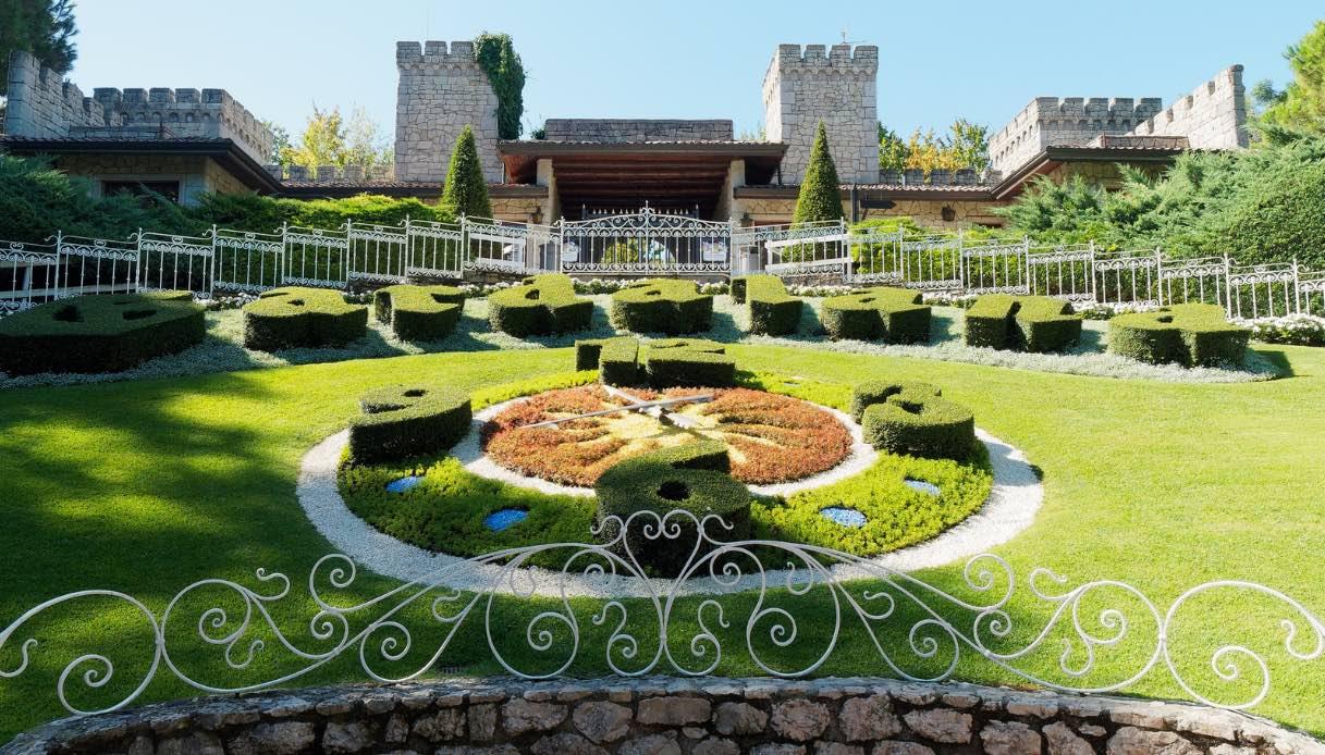 Gardaland tira fuori dal cilindro un resort dedicato alla magia