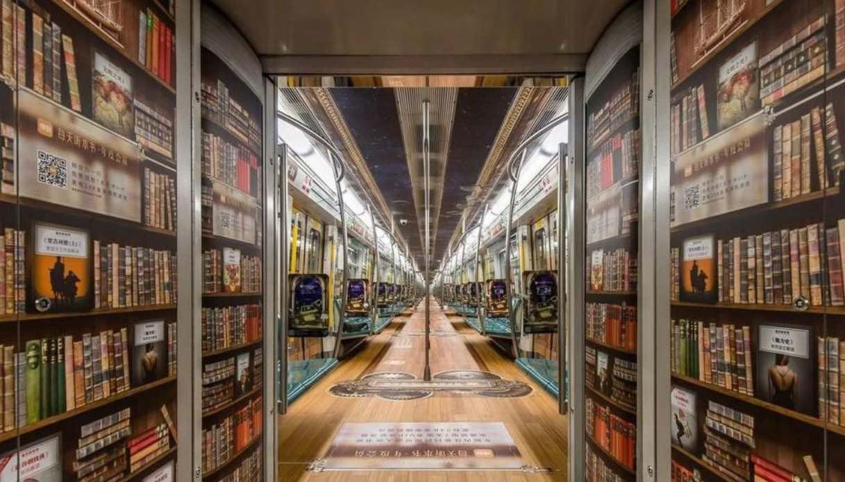 La mega biblioteca di audiolibri sulla metro di Pechino
