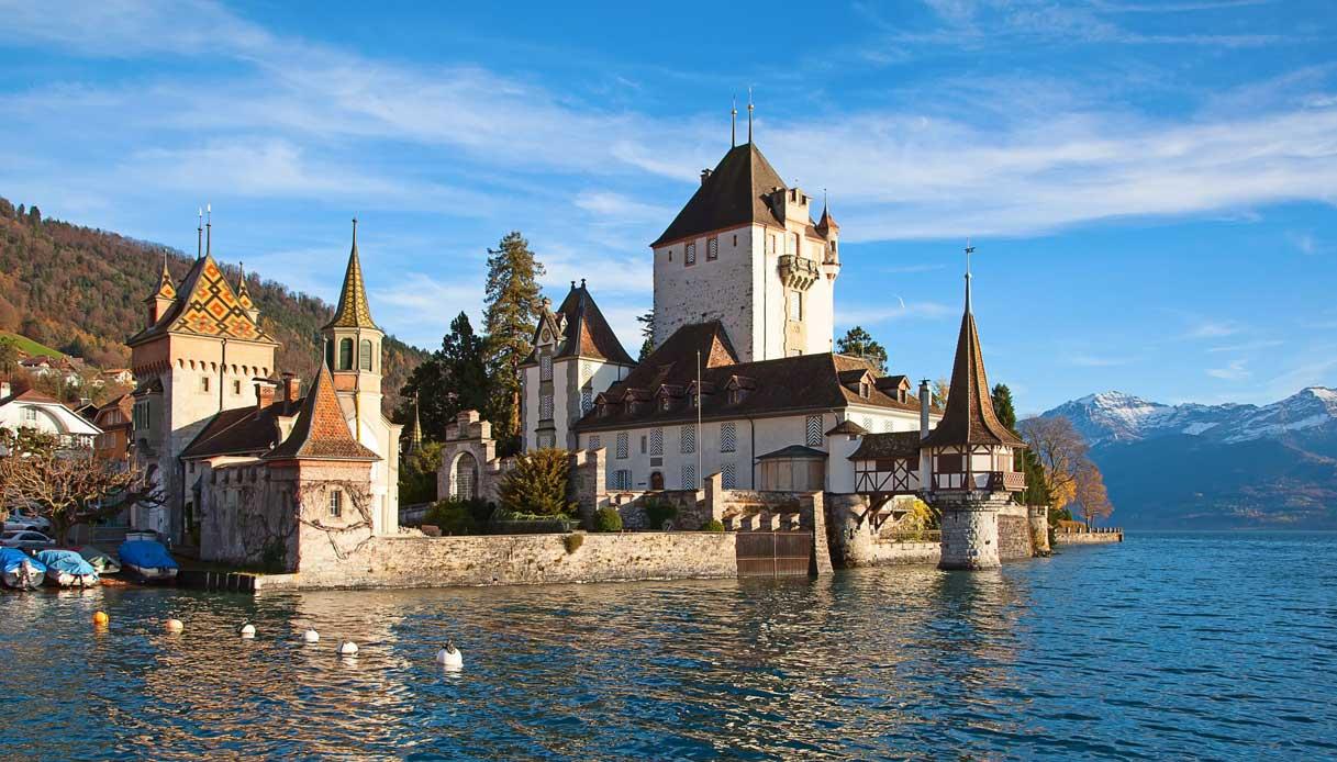 Oberhofen-lago-svizzera