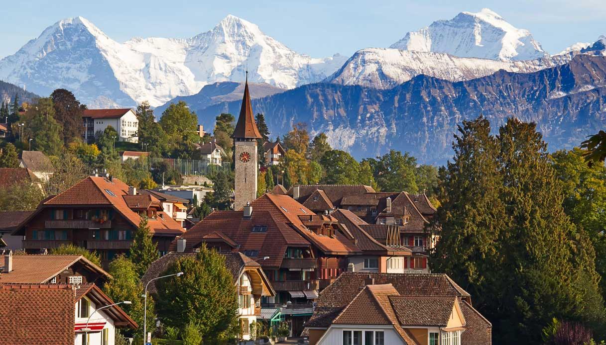 Oberhofen-villaggio-svizzera