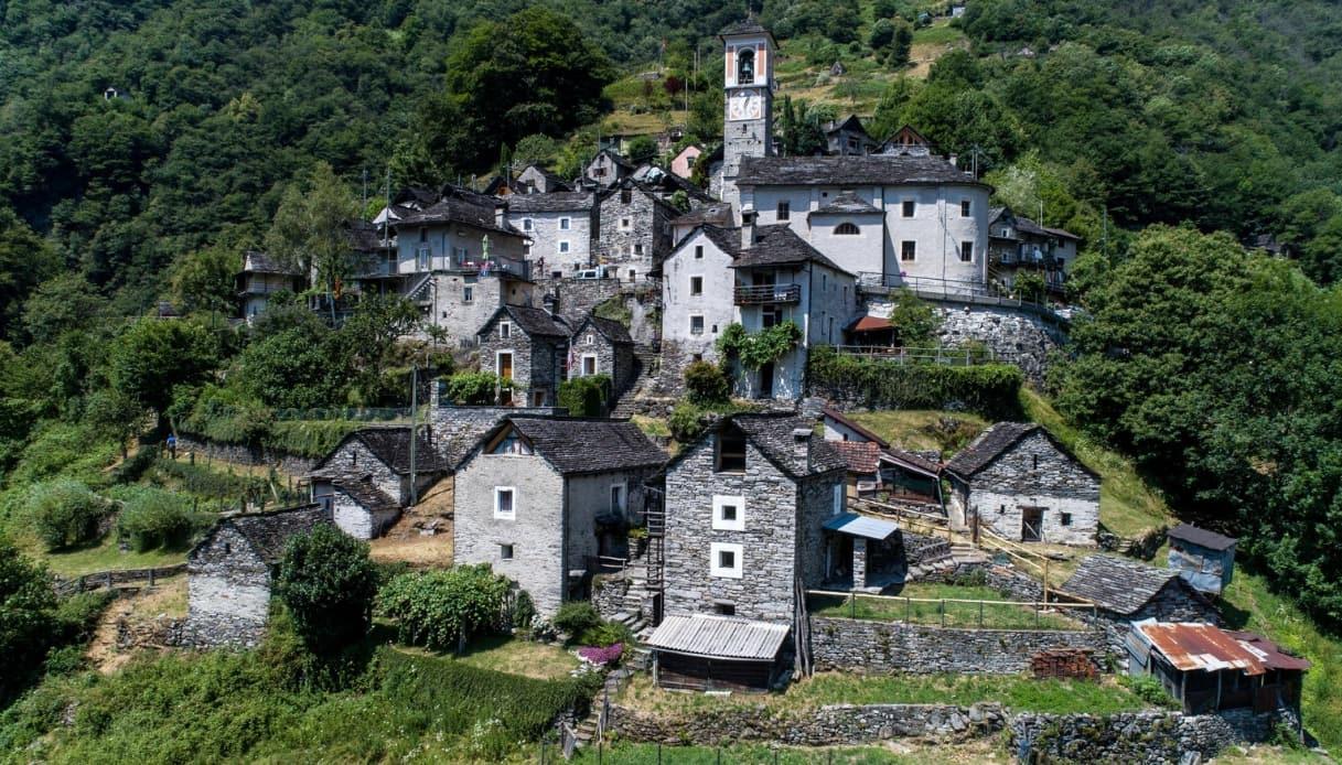 Corippo - Villaggio albergoin Svizzera
