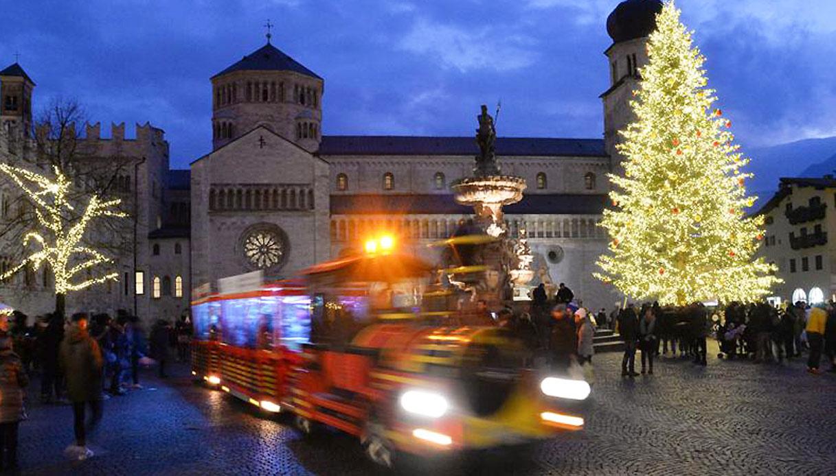 Natale A Trento.A Bordo Del Treno Di Natale Per I Mercatini Del Trentino Siviaggia
