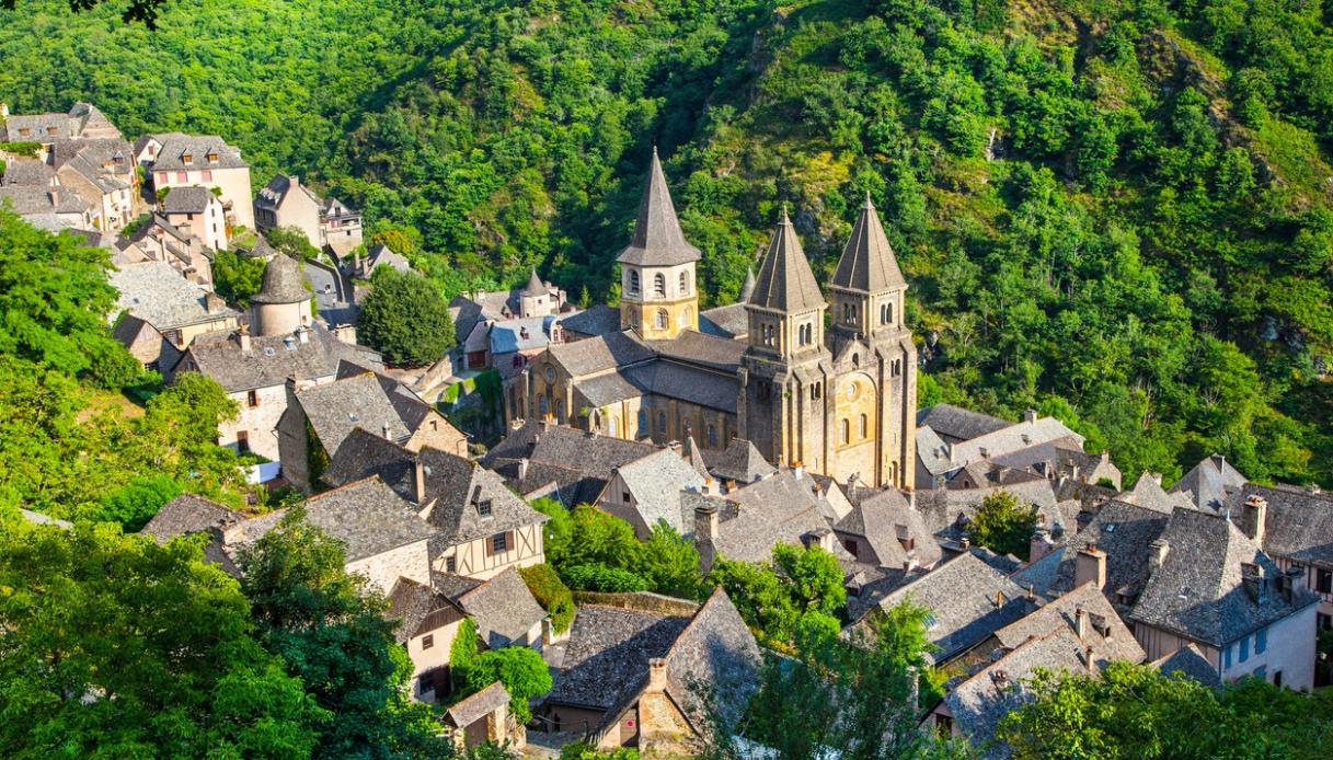 Alla scoperta del borgo francese che ha ispirato La Bella e la Bestia