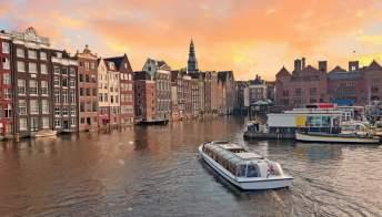 In crociera, alla scoperta dei mercatini di Amsterdam e Amburgo