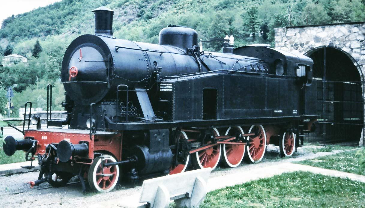 locomotiva-vapore-Gr940