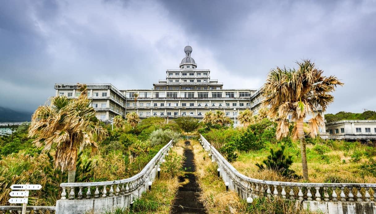 Tra i luoghi abbandonati, ce n'è uno in Giappone che è pura magia