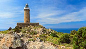 Sardegna, vacanze nei fari dalla prossima estate