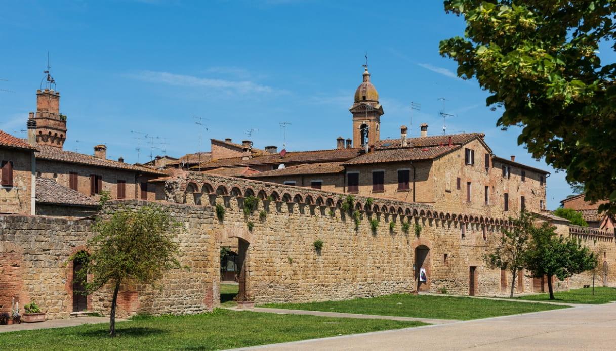 Il borgo trecentesco di Buonconvento, tra opere d'arte e atmosfere medievali