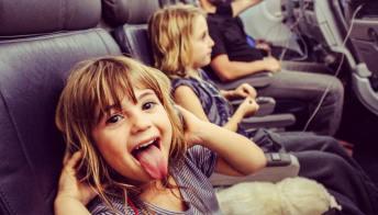 In volo coi bambini: le novità delle compagnie aeree