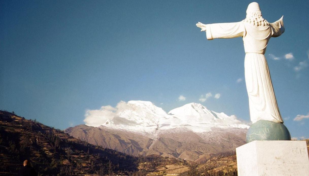Cristo Redentore Yungay