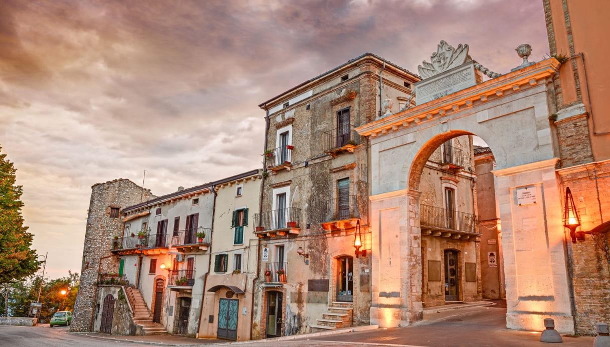 Il borgo abruzzese di Guardiagrele, la città della pietra di D'Annunzio