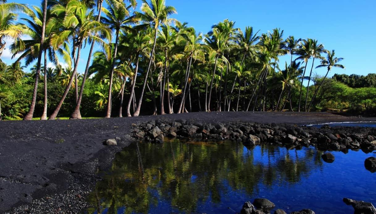 Le Hawaii hanno una nuova, straordinaria spiaggia nera