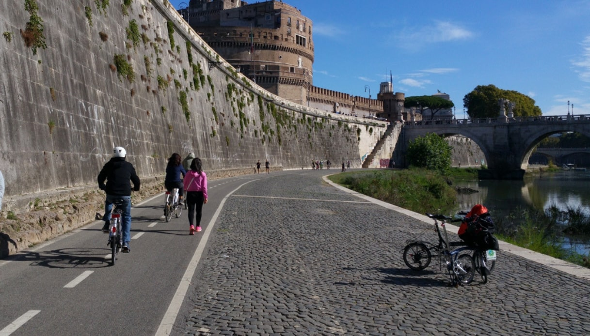 Da Roma al mare in bicicletta, ecco la Regina Ciclarum