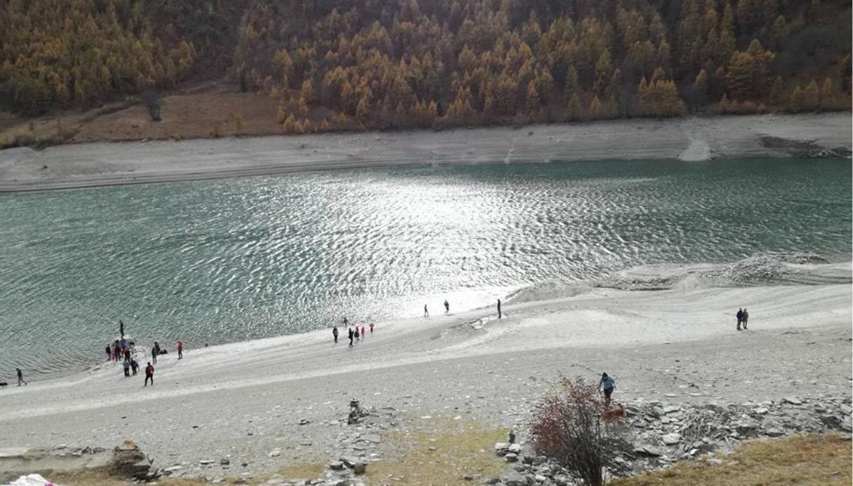 Dal lago di Pontechianale riemerge il borgo fantasma