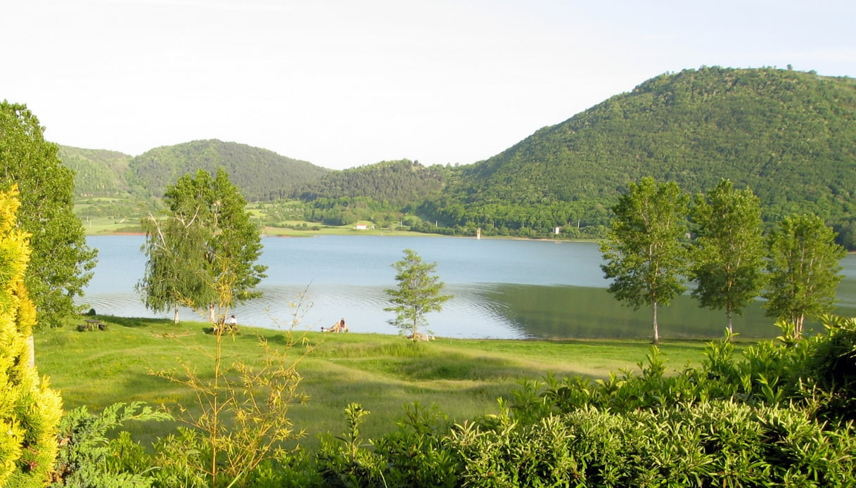 lago di canterno
