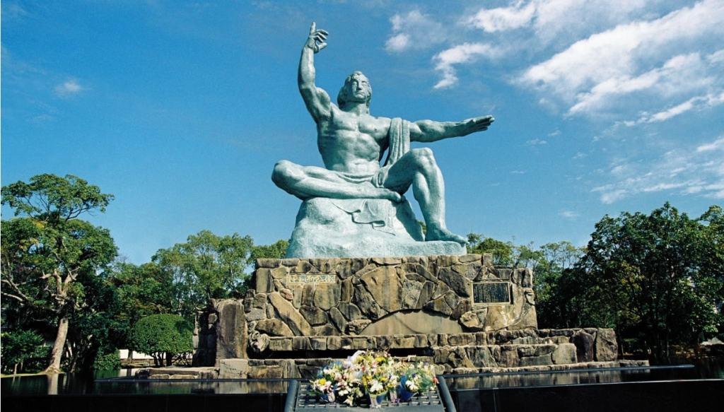 nagasaki statua della pace