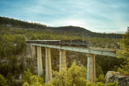 Chepe Express, il treno che attraversa il Messico tra villaggi e canyon