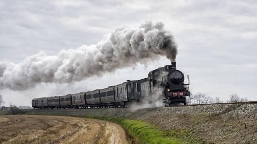 Parte il treno a vapore sulla prima linea ad alta velocità d'Italia