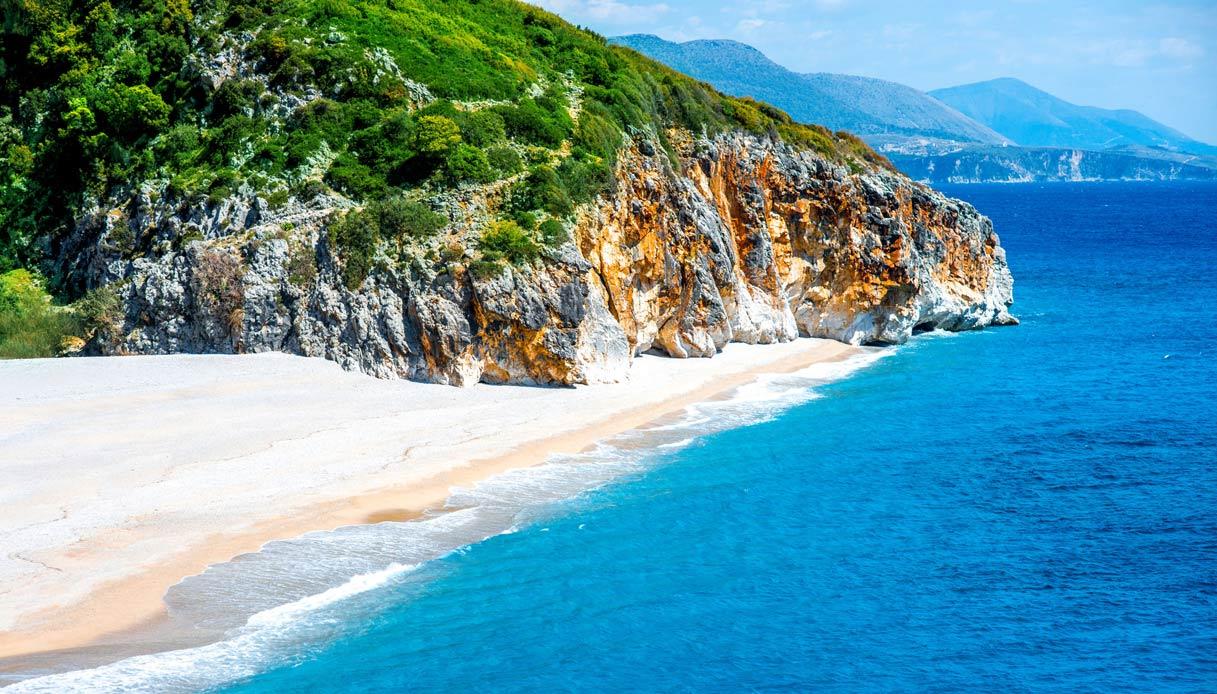 albania-spiaggia-Gjipe