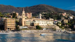 Sulle spiagge italiane, per assistere ai campionati di surf