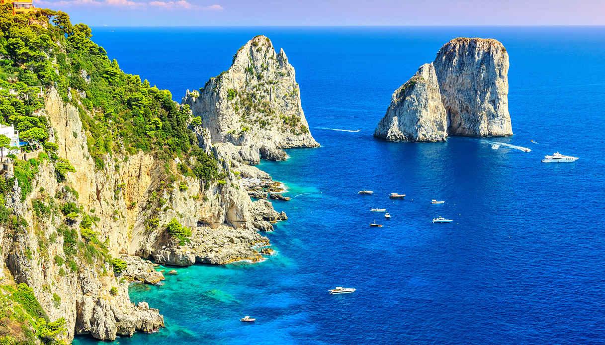 Vacanza in Costiera Amalfitana: i faraglioni di Capri