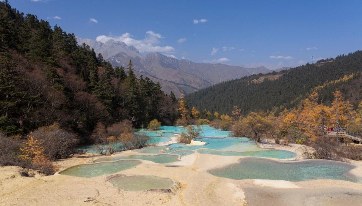 Huanglong Valley panorama