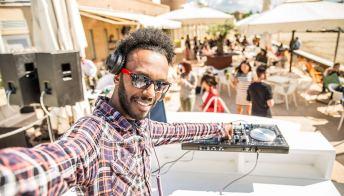Ibiza, prende il via la stagione dei party sfrenati
