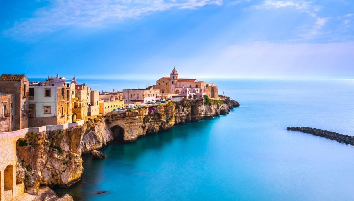 La Puglia è la prima regione d'Italia a vietare la plastica in spiaggia