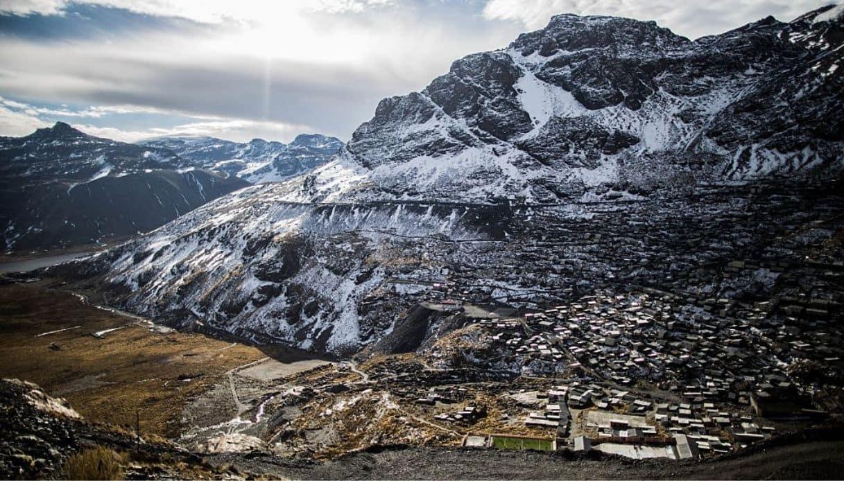 La Rinconada, in Perù, è il centro abitato più alto del mondo
