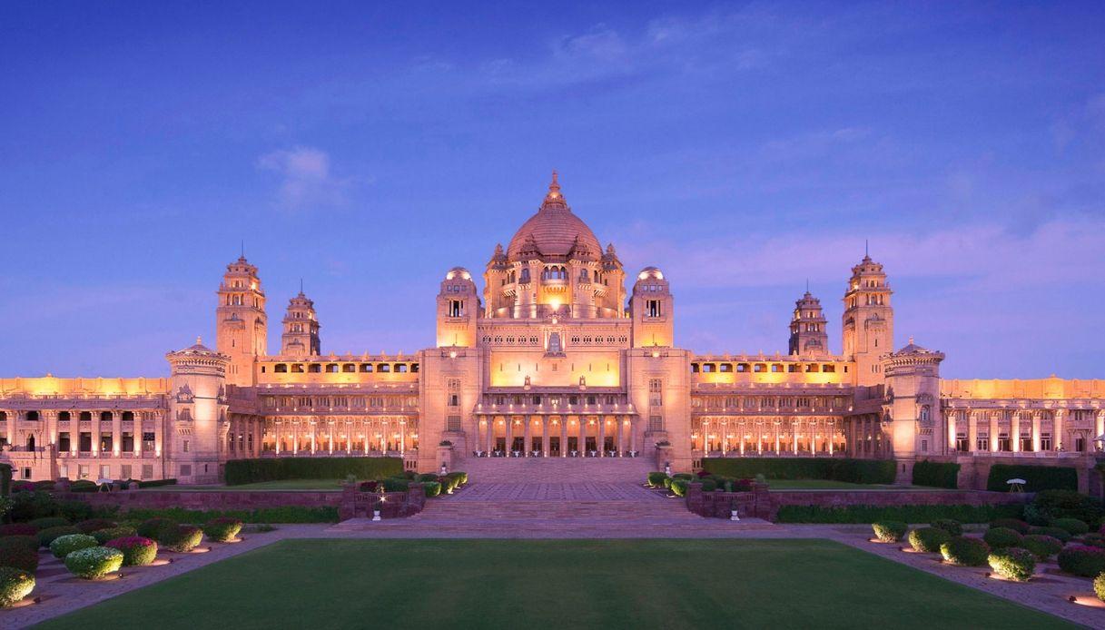 Oggi in India si può dormire all'interno di uno straordinario palazzo reale