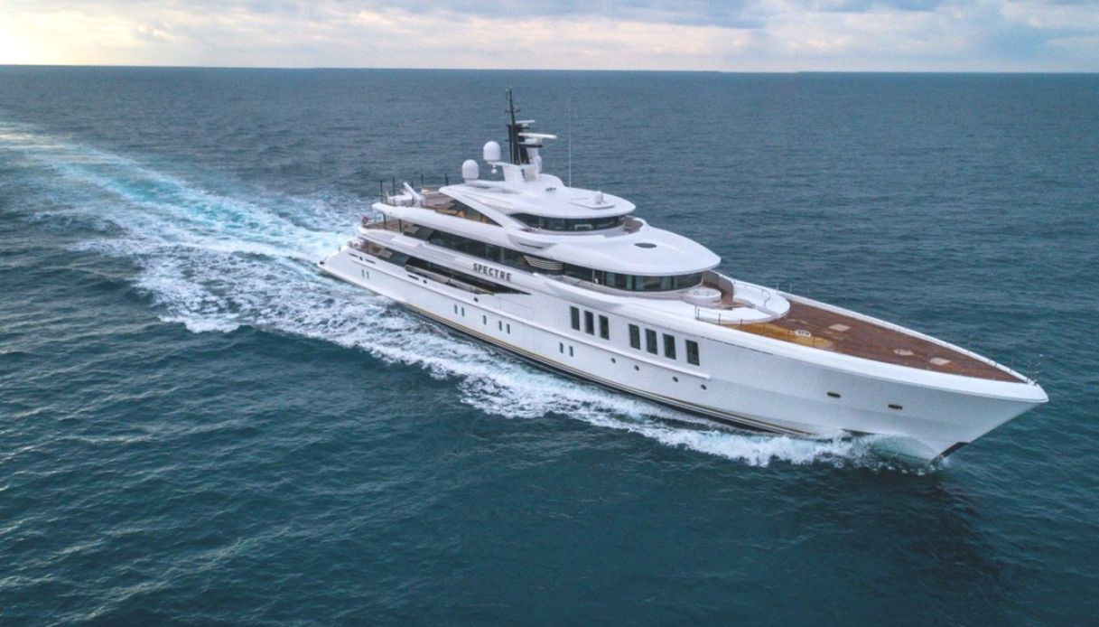 Yacht Spectre - Benetti